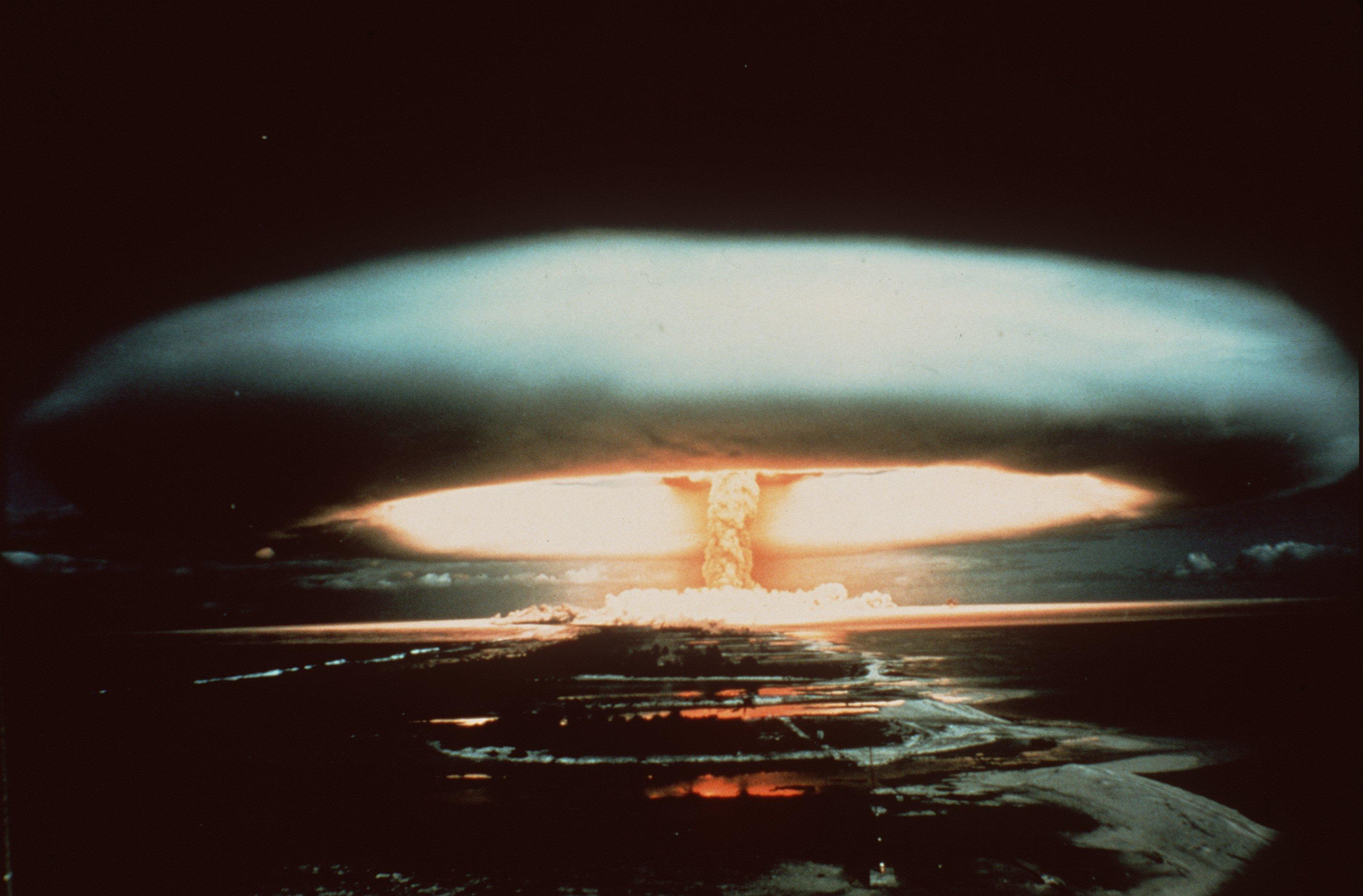 Atompilz über dem Mururoa-Atoll
