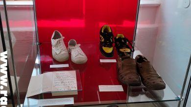 Schuhe von Rammstein-Mitglied Flake im Schuhmuseum Weißenfels