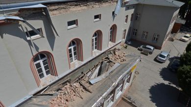 Abgestürzter Dachsims am Bahnhof Aschersleben