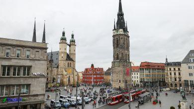 Der Marktplatz Halle (Saale) mit den beiden Hausmannstürmen der Marktkirche