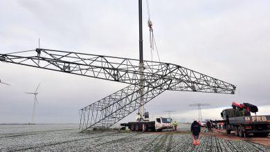 Strommast bei Magdeburg wird abgebaut