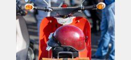 Symbolbild: Schwalbe mit Helm