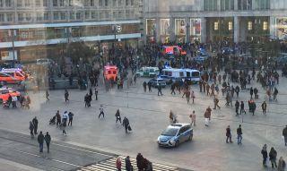 Massenschlägerei am Alexanderplatz in Berlin
