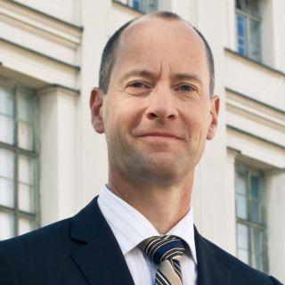 Dr. Hermann Gloistein