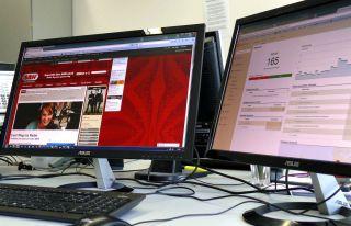Desktops mit Anwendungen von radio SAW und Google