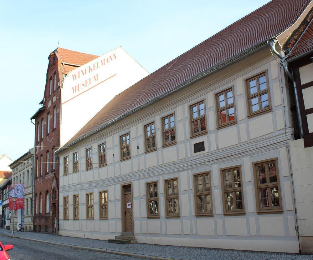 """Archiv Winckelmann-Gesellschaft / G.Draschowski<br /><strong class=""""verstecktivw"""">Fotoserie</strong>"""