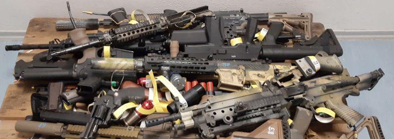 Symbolbild: Softairwaffen sehen echten zum Verwechseln ähnlich