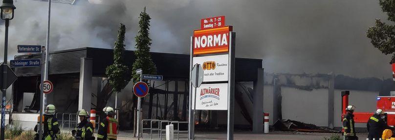 Supermarkt in Magdeburg brennt