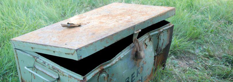 Die Metallkiste, in der die Leiche lag.