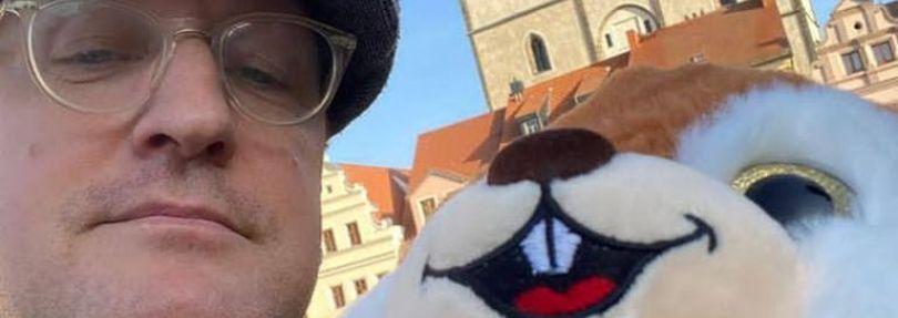 """Wittenbergs OB Torsten Zugehör """"findet"""" Eichhörnchen im Weihnachtsbaum"""