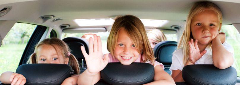 Kinder im Auto