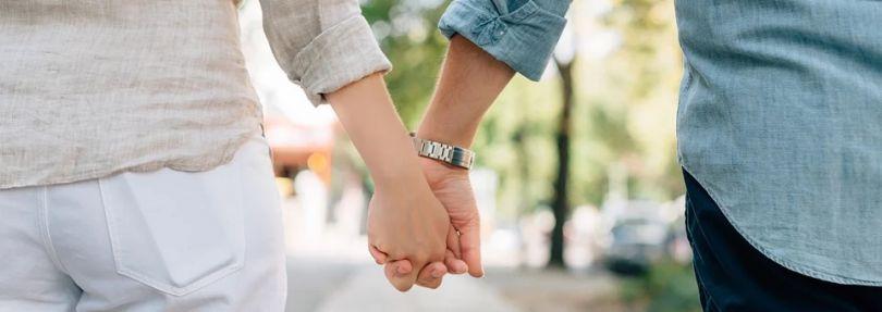 Paar, Händchen halten