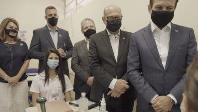 Sao Paulos Gouverneur beim Start des Impfprojekts