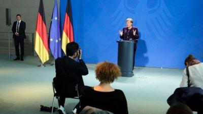 Bundeskanzlerin Angela Merkel (CDU) gibt im Kanzleramt ein Statement über den Coronavirus-Ausbruch und die Maßnahmen der Bundesregierung zur Eindämmung des Virus.