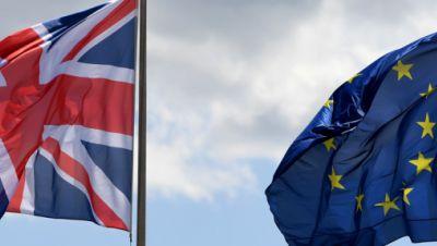 Flaggen von Großbritannien und der Europäischen Union
