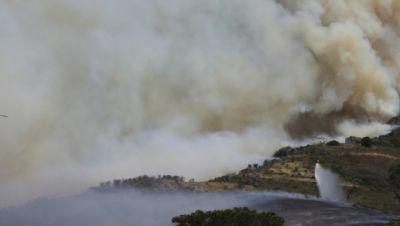 Feuer am Tafelberg in Kapstadt