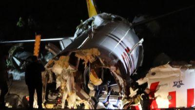 Zerbrochenes Flugzeug