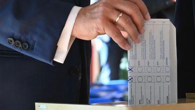 Bildausschnitt: Armin Laschets Wahlzettel mit Kreuz bei der CDU