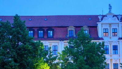 Magdeburg: Der Landtag von Sachsen-Anhalt nach Sonnenuntergang