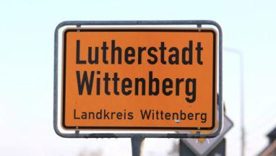 Symbolbild: Ortsschild Lutherstadt Wittenberg