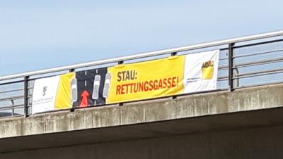 Neue Autobahnbanner auf der A2 bei Irxleben