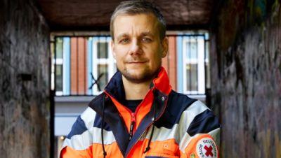 Tobi Schlegl, Moderator und Notfallsanitäter