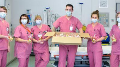 OP-Personal mit Osterüberraschung