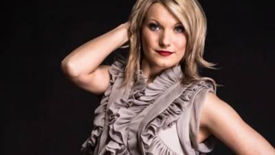radio SAW Dancerin Sabine